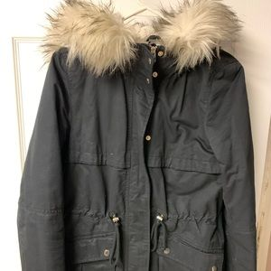 Women's jacket/parka with fur trim hood